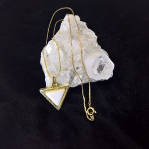 Jewelry - Vintage triangle pendant with gold tone chain